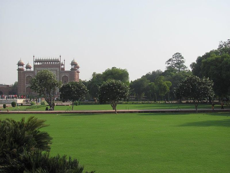 Taj Mahal Gardens - Taj Mahal Gardens - Gardens Of Taj Mahal Agra - Charbagh Garden Of